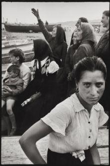 2_Leonard-Freed_Napoli_1956_©-Leonard-Freed-Magnum-Brigitte-Freed-400x600