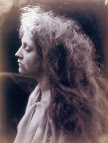 The_Angel_at_the_Tomb,_by_Julia_Margaret_Cameron