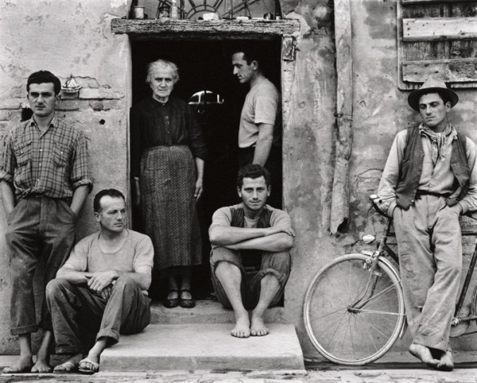 strand_the-family-luzzara-italy-1953