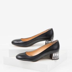 Кожени дамски обувки в черен цвят-231123