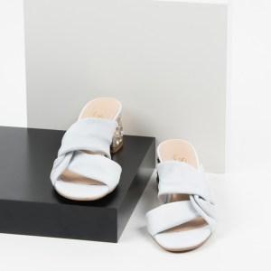 Стилни дамски чехли в бял цвят-241008