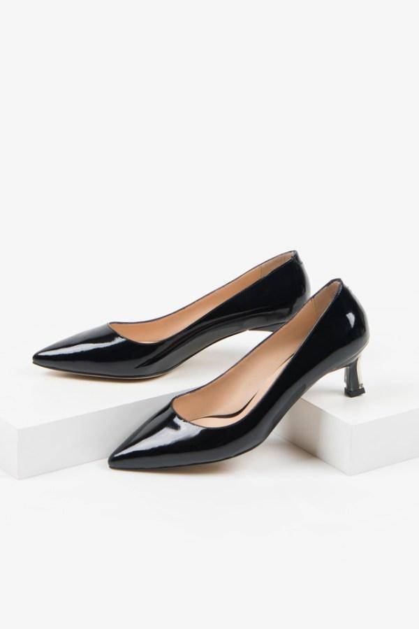 Лачени дамски обувки в черен цвят-230257