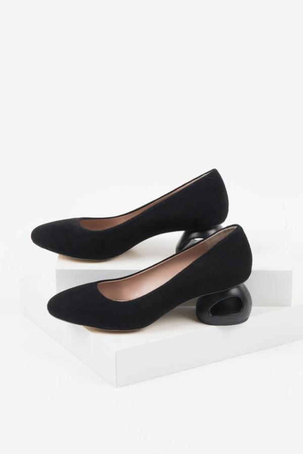 Велурени дамски обувки в черен цвят-160521