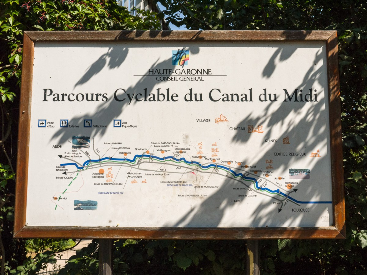 In the Haut-Garonne region there were still nice informational signs