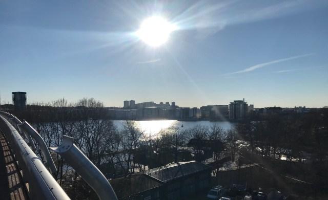 Sol över Liljeholmen och Marievik