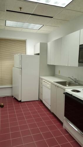 suite975-kitchen-2