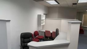 suite975-office-front-desk