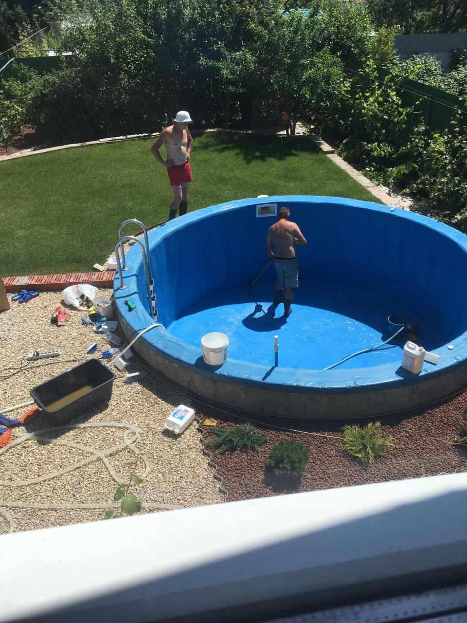 моем бассейн