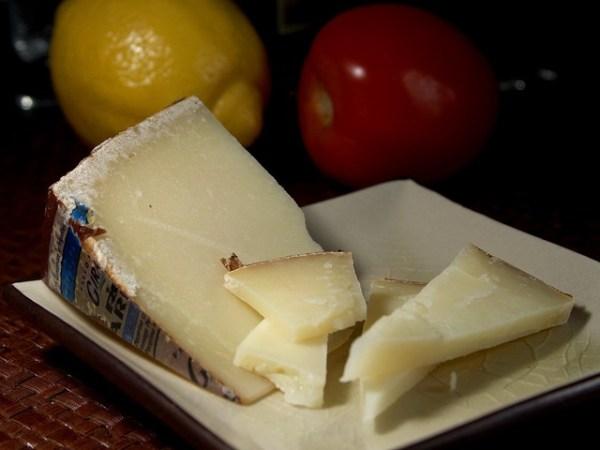 pecorino formaggio sardo