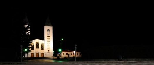 Medjugorje, Esaltazione della Croce 2014: veduta notturna della chiesa di San Giacomo (2) - Foto di Sardegna Terra di Pace - Tutti i diritti riservati
