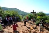 Medjugorje, Esaltazione della Croce 2014: pellegrini presso il Podbrdo - Foto di Sardegna Terra di Pace – Tutti i diritti riservati