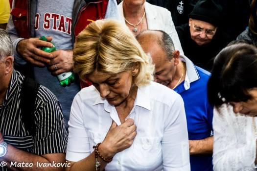 Raccoglimento di Mirjana durante l'apparizione del 2 Settembre 2014 - Foto di Mateo Ivanković – Tutti i diritti riservati