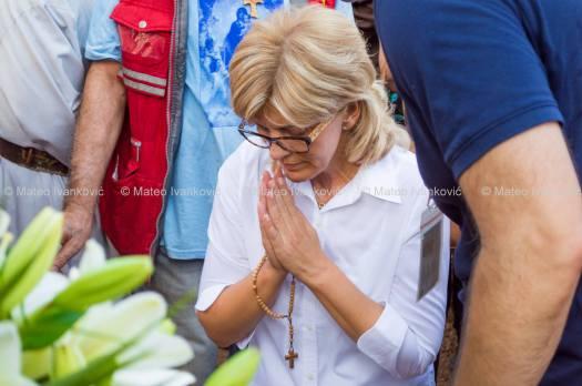 Medjugorje: Mirjana durante l'apparizione del 2 Agosto 2015 - Foto di Mateo Ivanković – Tutti i diritti riservati