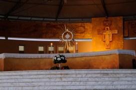 Medjugorje, B.V.M. Assunta 2015: Adorazione Eucaristica (5) – Foto di Sardegna Terra di pace – Tutti i diritti riservati