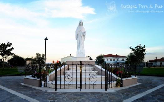 Piazza Regina della Pace: Foto di Sardegna Terra di Pace – Tutti i diritti riservati