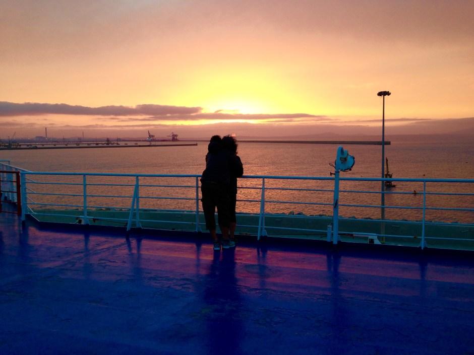 Lo spettacolo dei tramonti sul mare della sardegna for Alberghi barcellona sul mare
