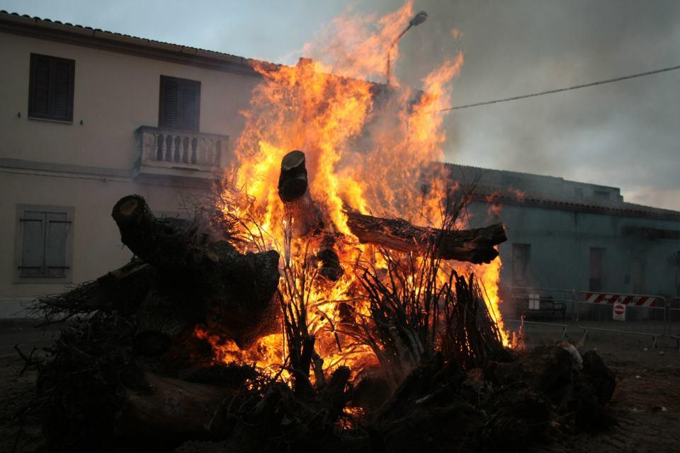 Il fuoco di Sant'Antonio in Sardegna tra leggenda e tradizione