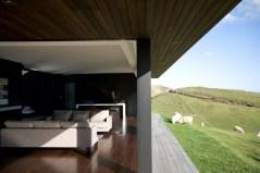 Parihoa-House-10-0-0-750x500