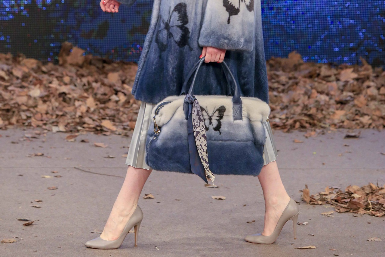 Меховые сумки – тренд, который всегда актуален