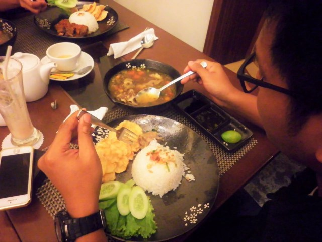 Sop Buntut Cerenti Restaurant Grand Zuri BSD ~ CopyRight: Sari Novita