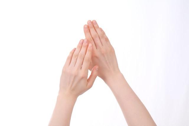 手湿疹の原因と治し方や水泡などの症状の対処の仕方!