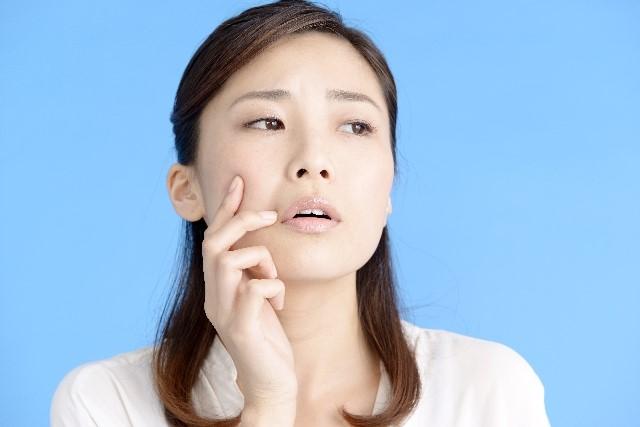 唇の横が切れる原因と痛い時に短期間で治すポイント!