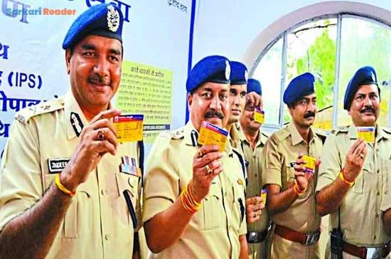 Get-a-smart-yellow-card-to-avoid-checking-the-traffic-police