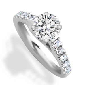 Engagement ring center diamond