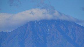 利尻山「初冠雪」