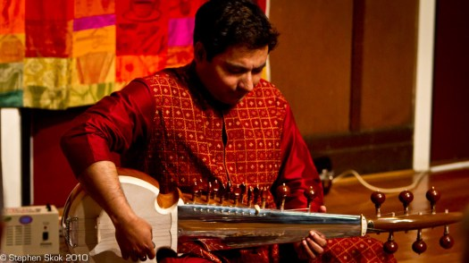 Sarod performance at the Boite - Oct 2010