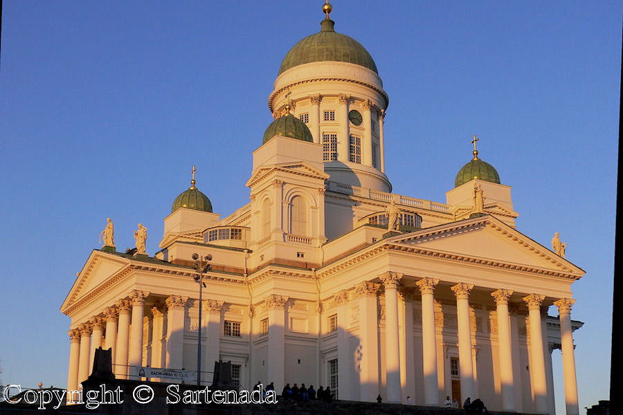 Helsinki cathedral in 2005 before sunset