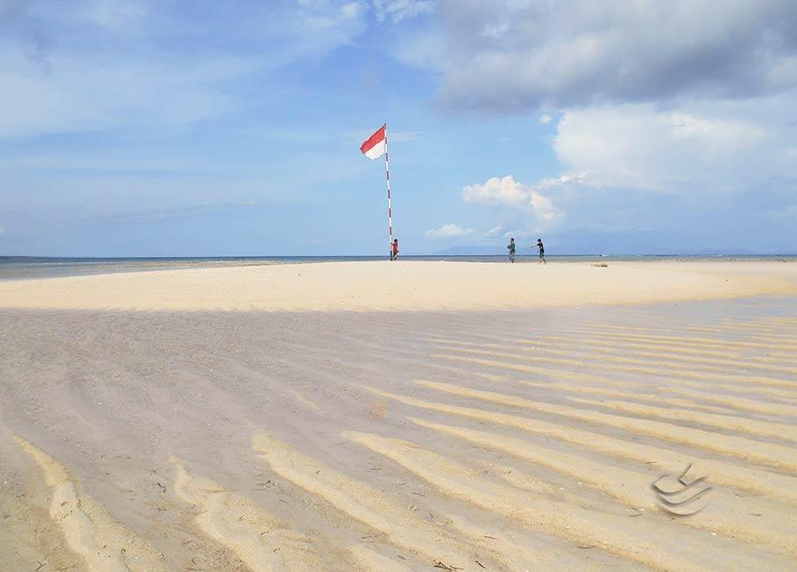 Paket Wisata Pantai Pink Lombok Jalur Laut