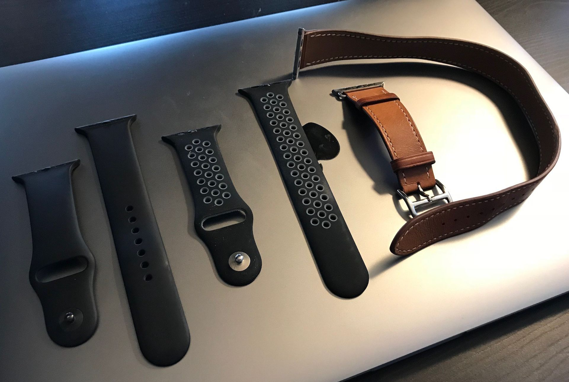 Cheap and high-quality Apple Watch bracelets can be found at Amazon.de!