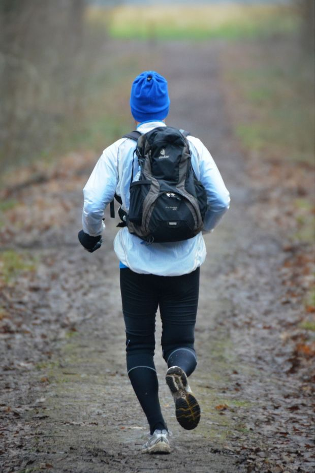 Jogging in the winter can really do you good! Photo: Pixabay