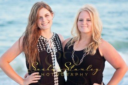 Twin Sisters : Sasha Stanley Photography : Atlanta TX : Senior Photos : Senior Photography : Beach Photograph : Orange Beach