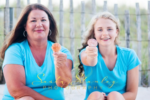 Mommy and Me Photo : Sasha Stanley Photography : Navarre Beach Photographer