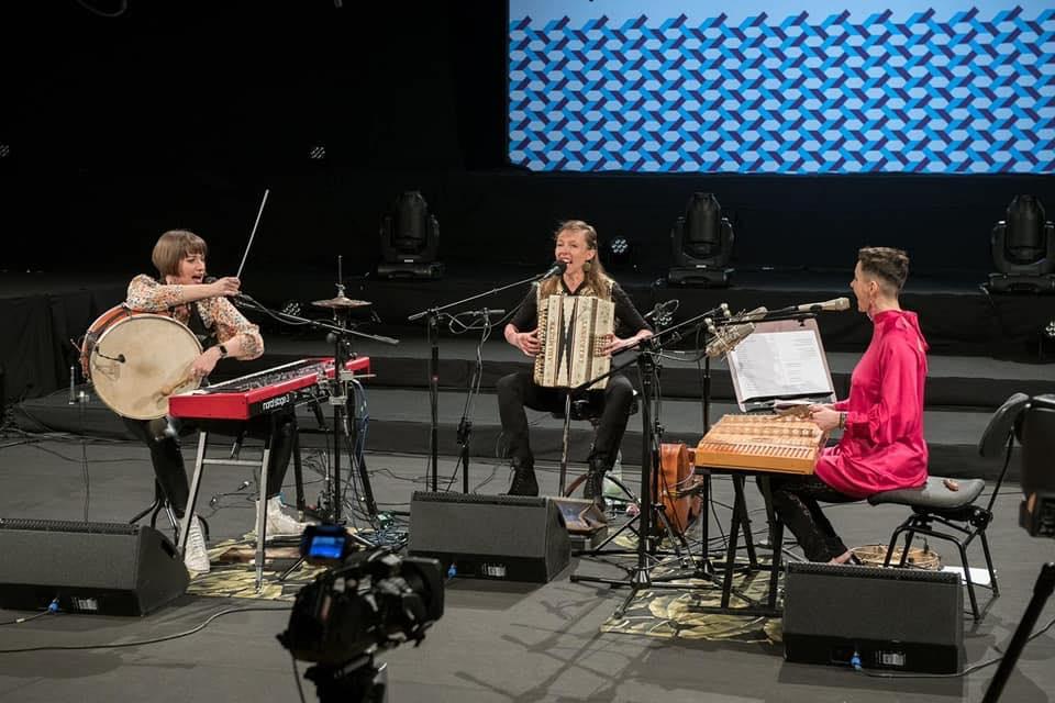 2021-07-10: Koncert na dachu: Zespół Sploty