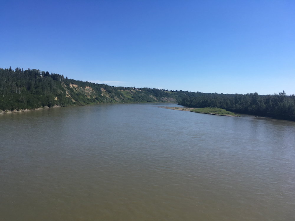 Where does the North Saskatchewan River come from?