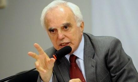 'Há cooperação nacional e internacional para destruir o PT', afirma embaixador