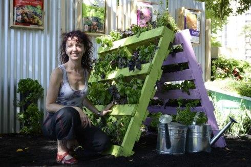karen-montgomery-vertical-garden21