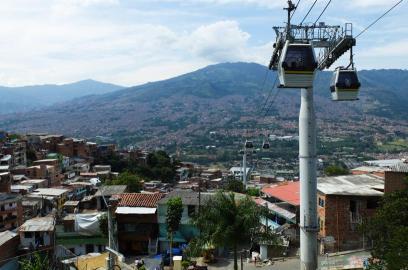 The Metrocable ride to Santo Domingo and biblioteca España