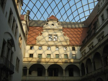 Schloss unter Kuppel 5