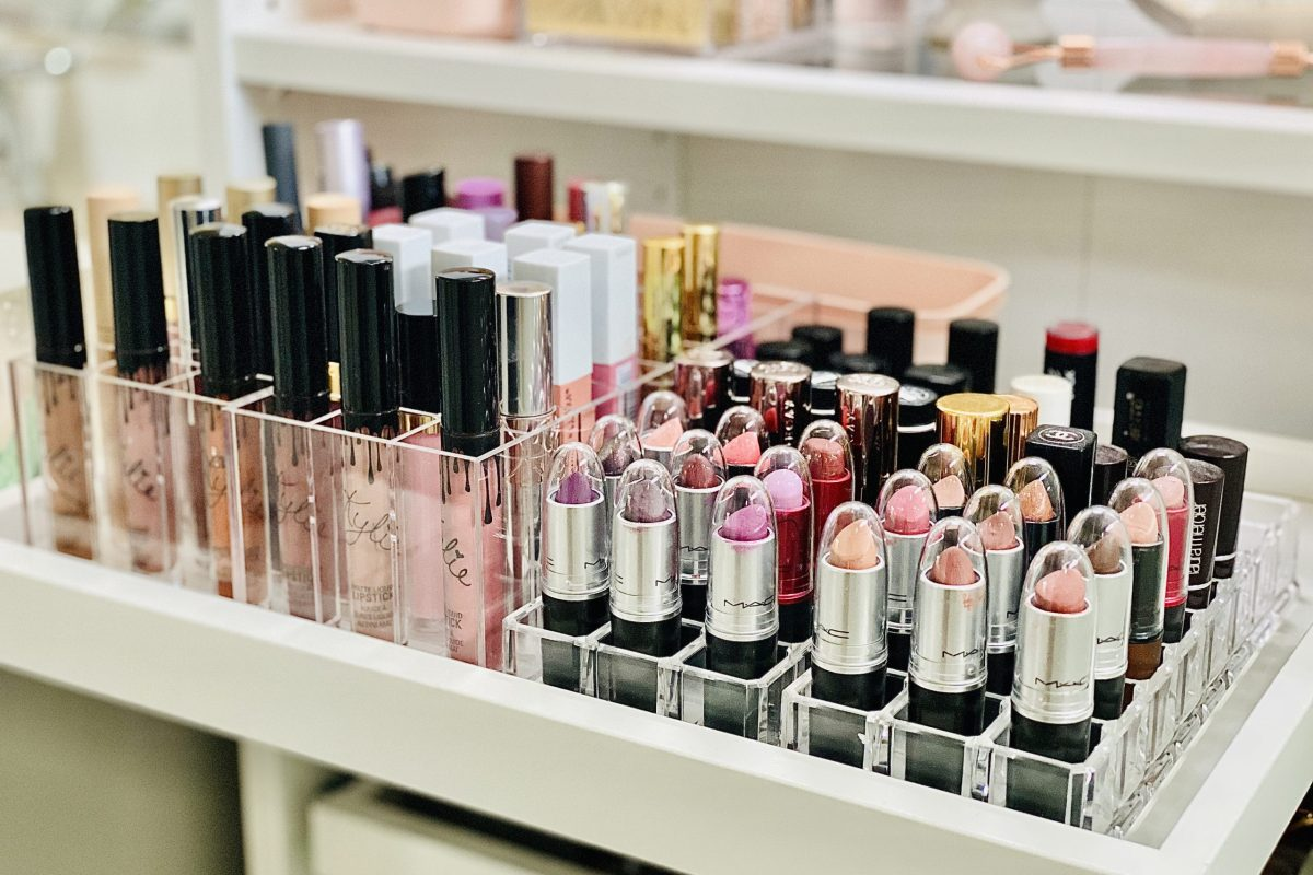 lipstick organization in makeup vanity