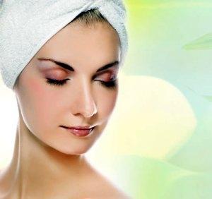 Skincare Review Freeman Pineapple Facial Enzyme Mask Model Towel