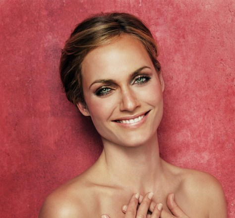 amber-valletta makeup tips