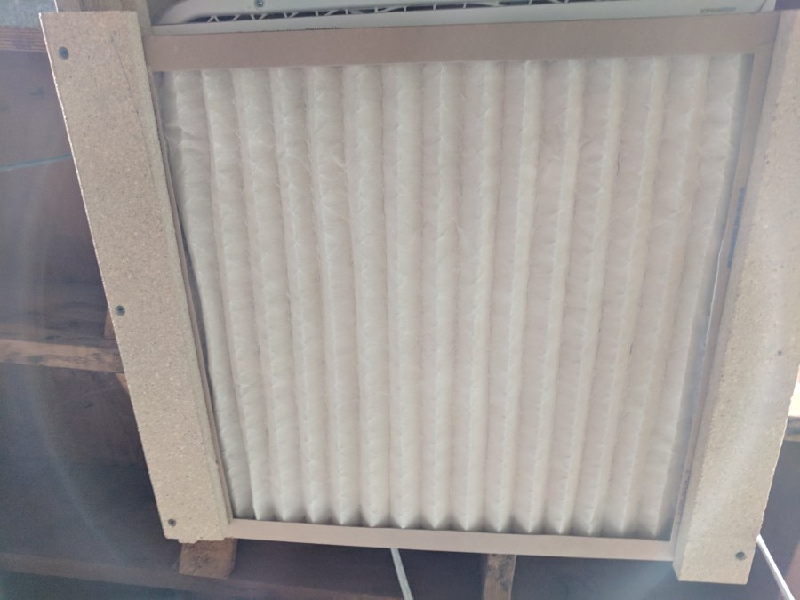 Box fan air cleaner pre-filter