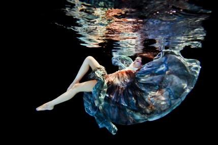 Ilse-Moore-underwater-fashion_006
