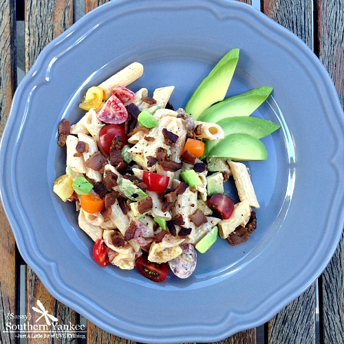 Avocado BLT Pasta Salad with Creamy Sriracha Dressing plated