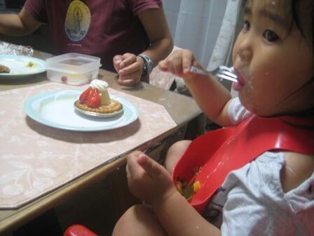 ケーキを食べる瞬間