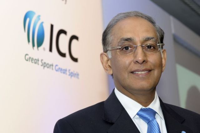 Who can pick up the bat for a reconstituted interim Cricket SA board?